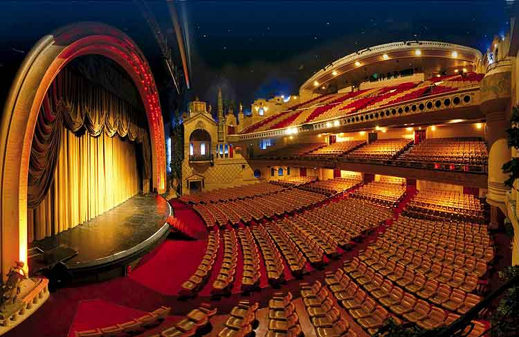 El teatro francés era un medio de educación social