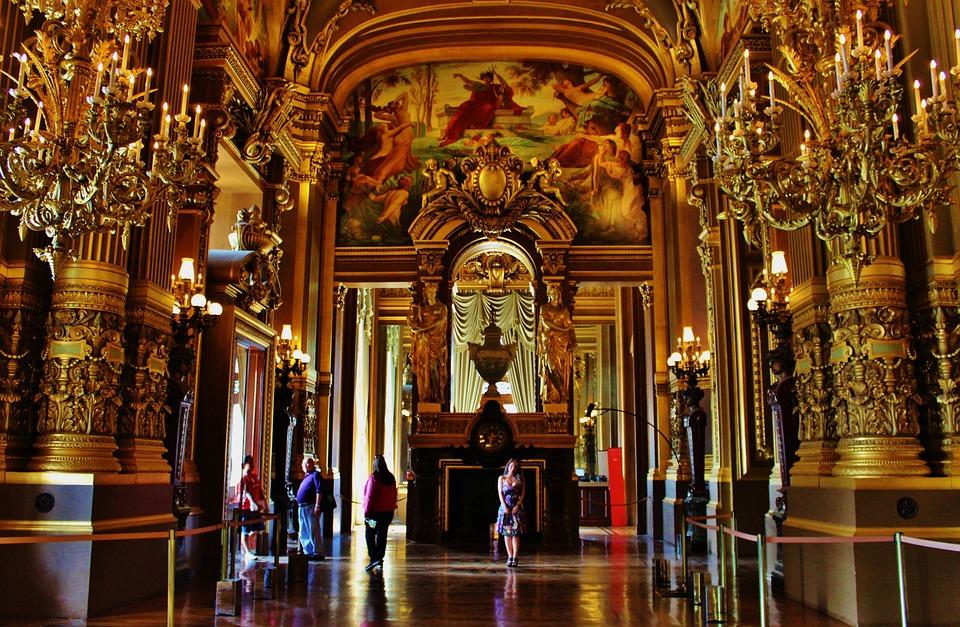 El origen del teatro está en Francia